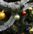 Расписные новогодние шарики останутся на долгую память :)  Благотворительное новогоднее мероприятие 29 декабря 2013